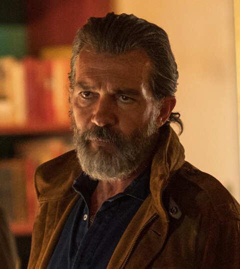 Antonio Banderas as Mr. Saccione.