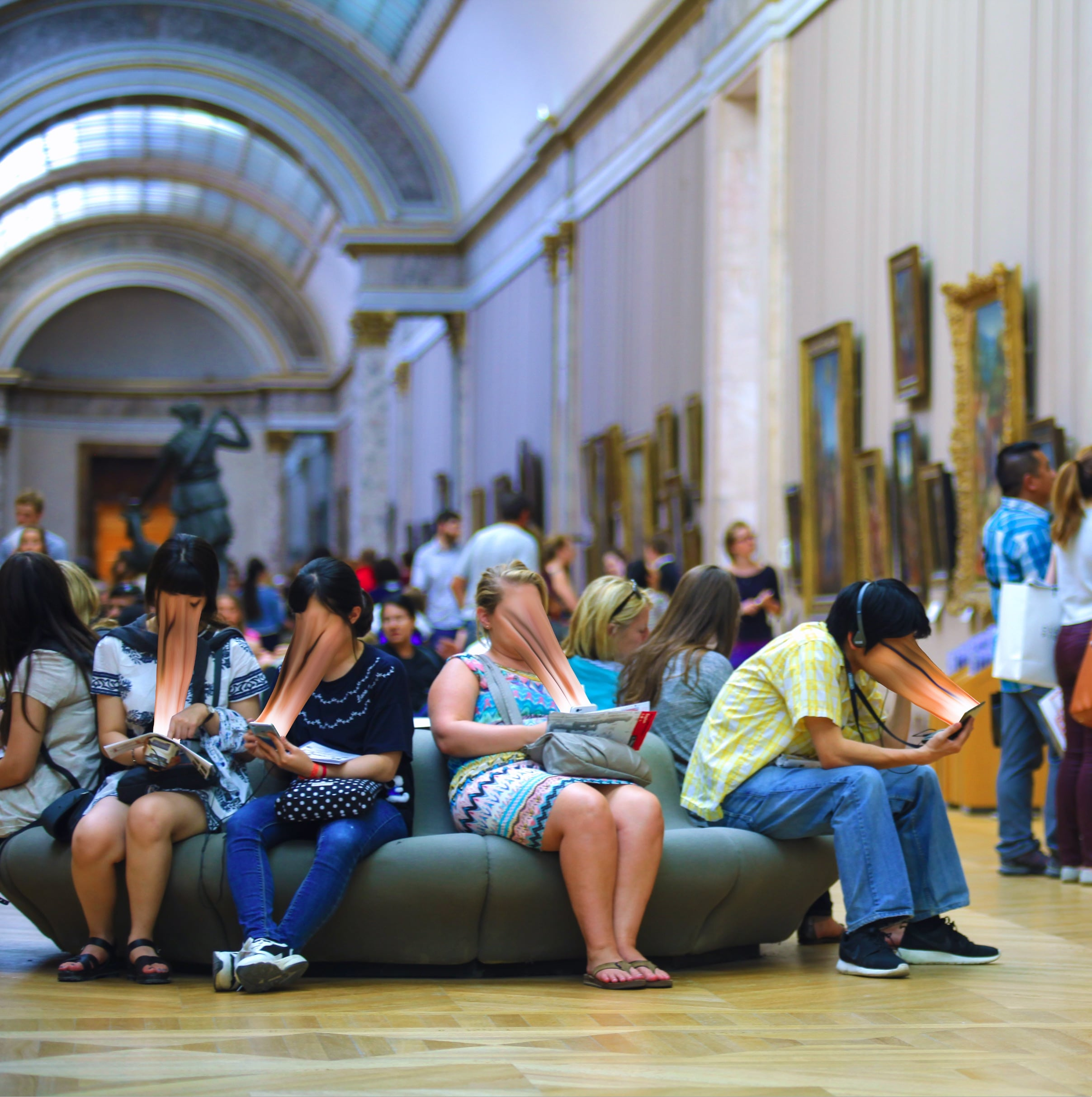 Museum-goers are sucked into their screens