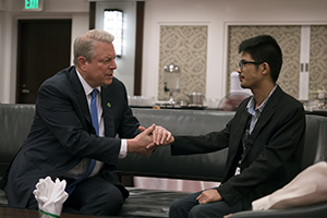 Al Gore with John Leonard Chan, Climate Leadership Trainee in the Philippines and survivor of the Typhoon Haiyan in An Inconvenient Sequel: Truth to Power from PARAMOUNT PICTURES and PARTICIPANT MEDIA. Photo Credit: Jensen Walker
