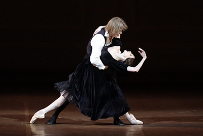 <strong>THE LADY OF THE CAMELLIAS</strong>    Alexandre Dumas fils's novel comes to life on the Bolshoi stage, with prima Svetlana Zakharova as the ailing Marguerite seeking love and redemption from her life as a courtesan with the young and naive Armand. The Bolshoi brings choreographer John Neumeier's work of rare beauty and tragic depth to new emotional heights, accompanied by Chopin's romantic piano score.