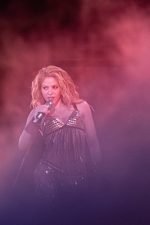 Image of the Shakira En Concierto: El Dorado World Tour gallery