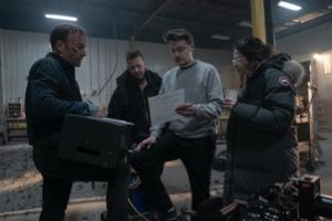 Bob Odenkirk and director Ilya Naishuller in Nobody (2021 movie)
